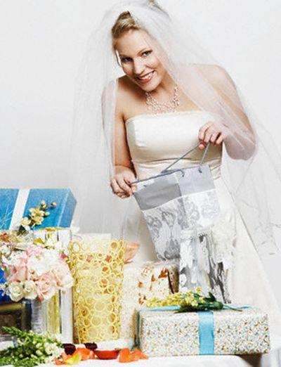 Какие подарки лучше подарить гостям?