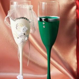 Невеста и жених в зеленом