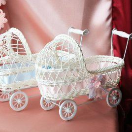 Коляски на свадьбу для сбора денег в конкурсе: Кто родится первый — мальчик или девочка