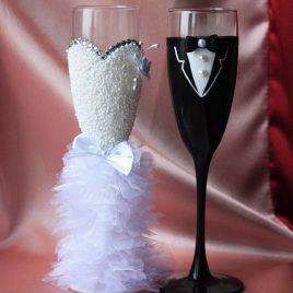 Свадебные бокалы Нарядная пара