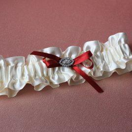 Подвязка атласная айвори с бордо