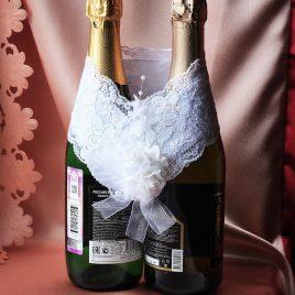 Украшение на бутылки Гармония белая с цветами