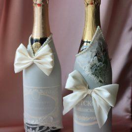 Свадебный наряд на бутылки шампанского айвори № 1