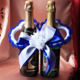 Украшение на бутылки — Сердечки синие