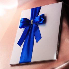 Папка для свидетельства о браке Эффект Бант малый синий стразы