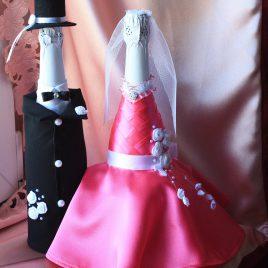 Свадебный наряд для бутылок розовое платье