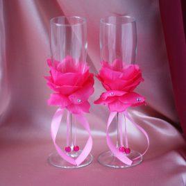 Свадебные бокалы Лепестки розы розовые