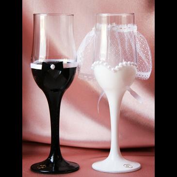 Как правильно выбрать свадебные фужеры