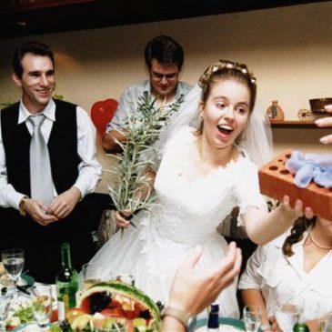 Свадебные подарки молодоженам в разных странах?