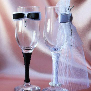 """Свадебные бокалы """"Жених и невеста модная пара"""""""