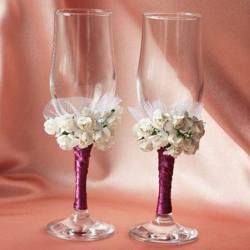 """Свадебные бокалы """"Два букета на фиолетовой ножке"""""""