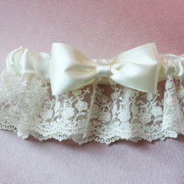 Подвязка невесты «Пышный бант»