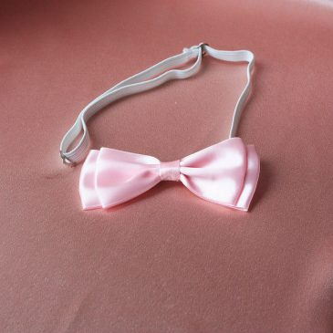 Галстук-бабочка атласная розовая