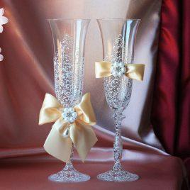 Свадебные бокалы Грация Люкс персик со съемными бантиками