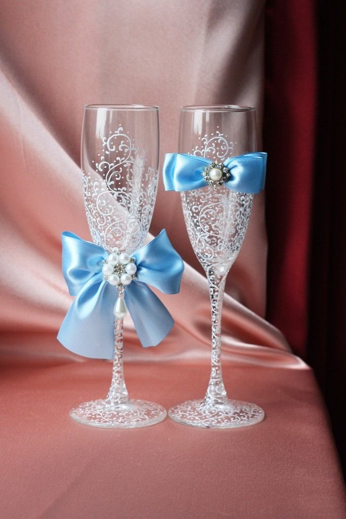 Папка для свидетельства о браке Три цветка бело-голубая