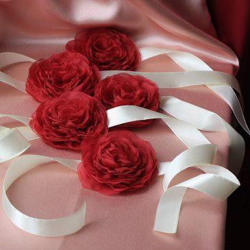 Ленты для подружек невесты Бордовый пион на айвори