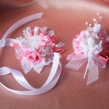 Значки для свидетелей Розово-белые бутоньерка и браслет