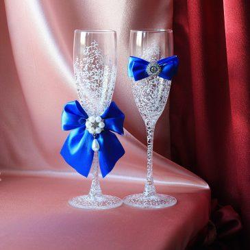 Свадебные бокалы Грация белая с синим