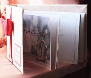 Книга для пожеланий Бордо на айвори с брошкой