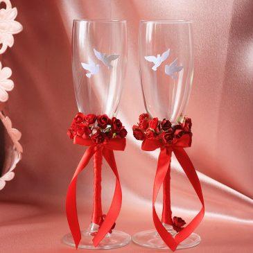 Свадебные бокалы Красные с голубями