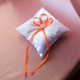 Подушка для колец Полубусинка с оранжевым