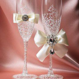Свадебные бокалы Грация белая с айвори