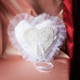 Свадебная подушка Небесное сердце