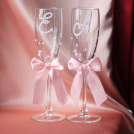Свадебные бокалы Бусинки и инициалы с розовым