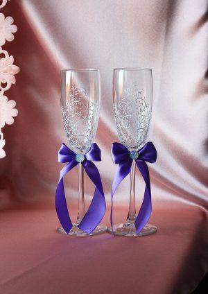 Свадебная одежда на бутылки С голубым бантиком и бабочкой