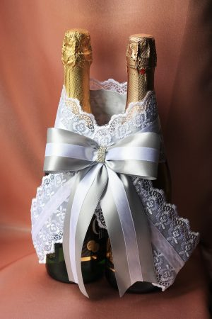 Украшение на бутылки Кружево с бантом, серебро