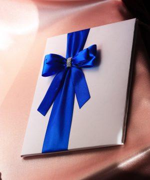Папка для свидетельства о браке Эффект Бант малый синий стразы Формат А4