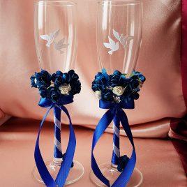 Свадебные бокалы бело-синие с голубями