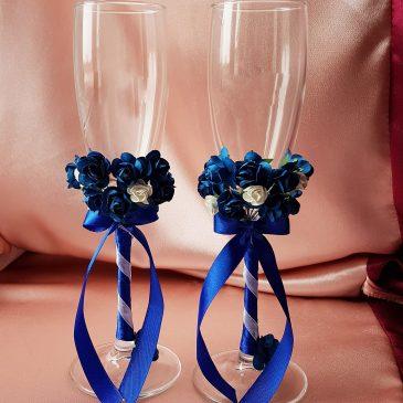 Свадебные бокалы бело-синие