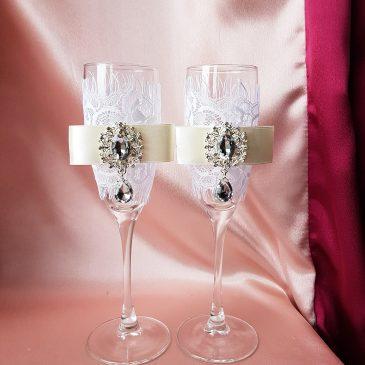 Свадебные бокалы Афродита белый с айвори  №19