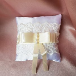 Подушка для колец белая с айвори №12