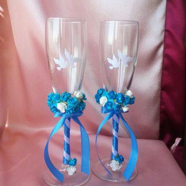 Свадебные бокалы Два букета, голубой с голубями №23