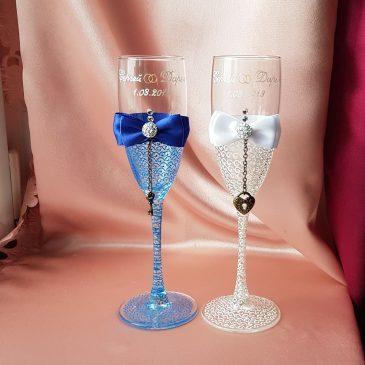 Свадебные бокалы Тайна сине-белая с подписью №26