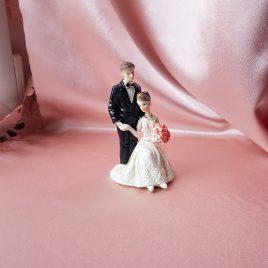 Фигурка свадебная пара жених и невеста №16