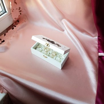 Шкатулка для свадебных колец белая №37