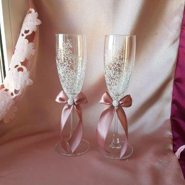 Свадебные бокалы красивая пара белая с пудрой и с подписью №36